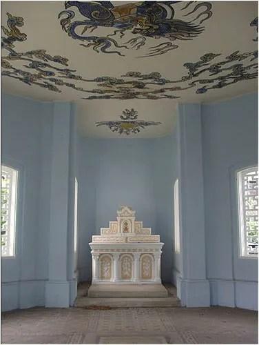 http://s270.photobucket.com/albums/jj109/fbuis/celebrity/?action=view&current=mausolee03.jpg