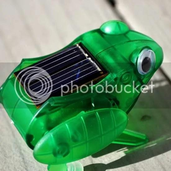 robotikits Frog solar powered steve spangler