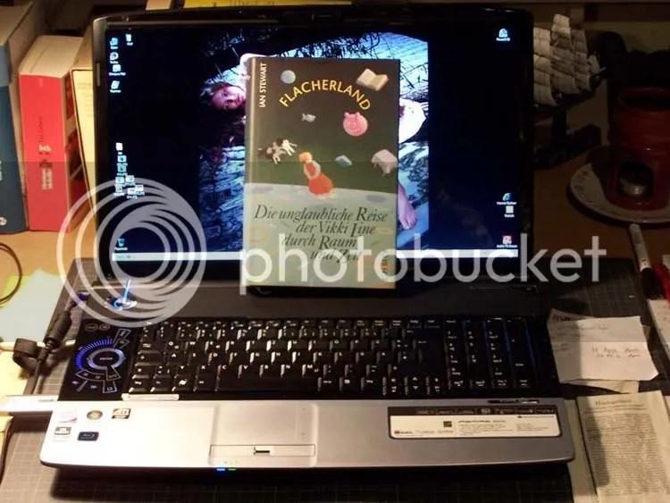 Acer notebook with Ian Stewart, Die unglaubliche Reise der Vikki Line durch Raum und Zeit
