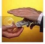 koruptor, akar kejahatan adalah cinta uang