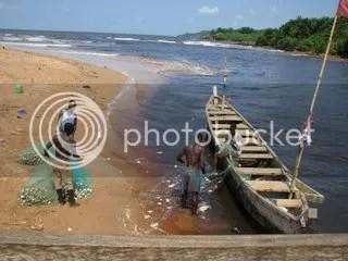 Fishing boat in Akwidda