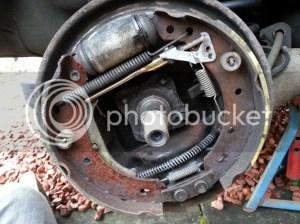 Brake Shoes and Wheel Cylinder Indetification  Renault