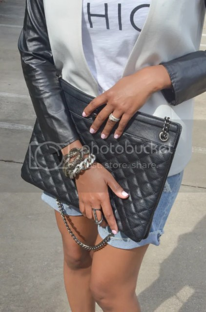 black and white look, ootd, fashion, fashion blogger, dallas fashion blogger, dallas blogger, black fashion blogger, ripped jean shorts, metallic pumps, quilted bag, kut from cloth shorts, ripped jeans, shoe mint pumps