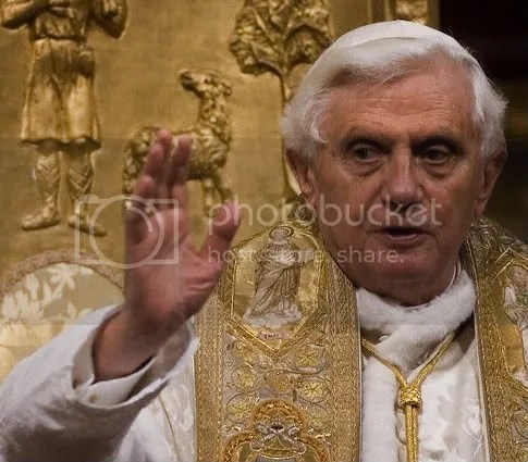 BenedictXVI-RosaryPrayer.jpg picture by kking8888