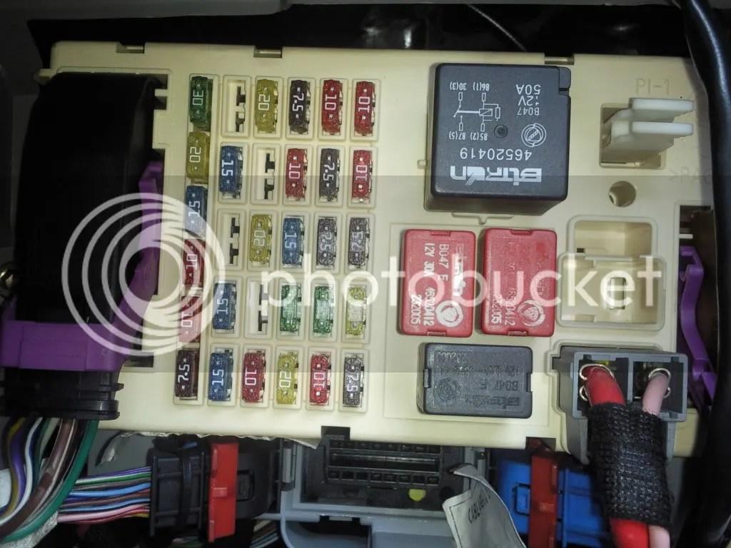 nissan almera tino radio wiring diagram honeywell thermostat rth2300 fusible allume cigare hr v photo by
