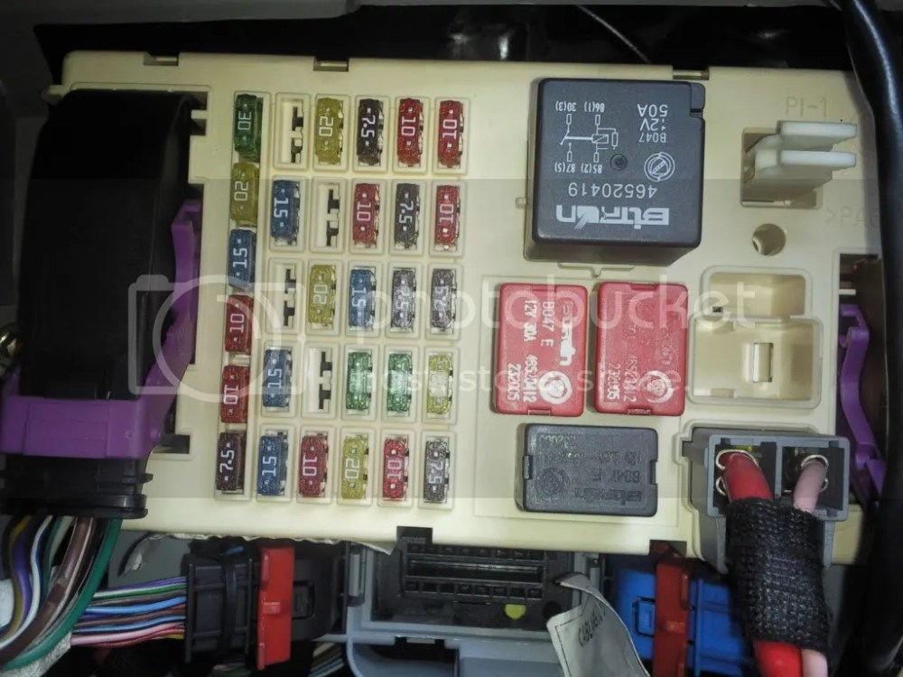 medium resolution of fiat 500 interior fuse box location