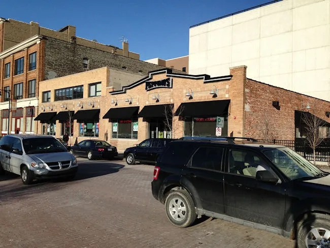 Peppino's Pizza and Sports Grille