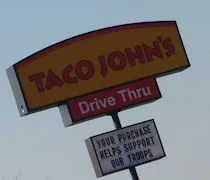 https://i0.wp.com/i287.photobucket.com/albums/ll157/midmichigandining/SW%20Michigan%20Dining/tacojohnslathan3.jpg