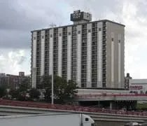 The Crowne Plaza Metro just off the Kennedy Expressway in Chicago