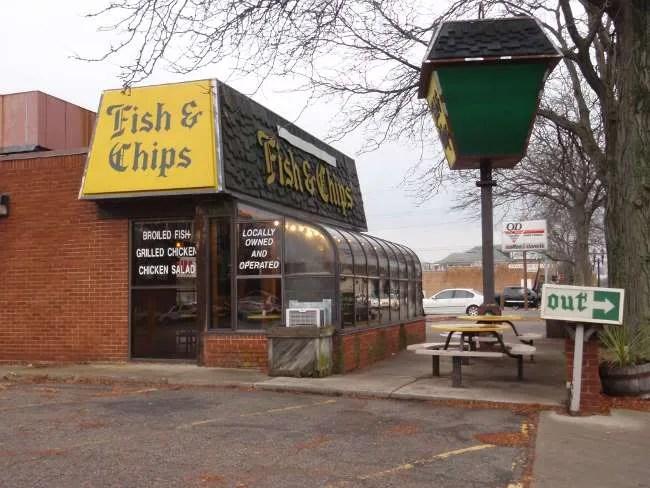 Fish chips mid michigan dining for Eastside fish fry lansing michigan