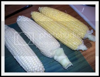 Raw corn, white and yellow