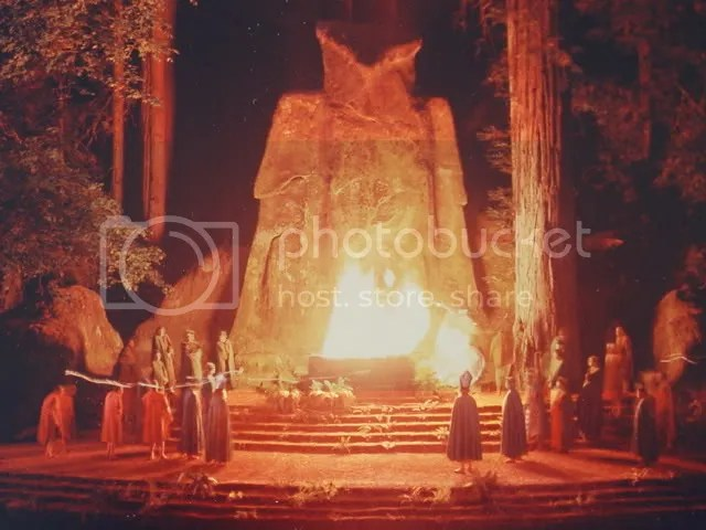 Pictures of the Bohemian Grove - Masonic Owl god Molech (2/6)