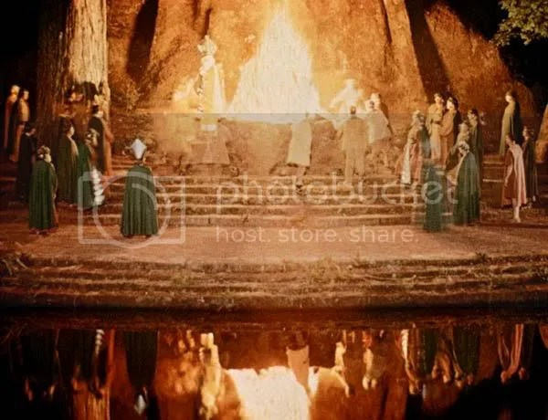 Pictures of the Bohemian Grove - Masonic Owl god Molech (4/6)