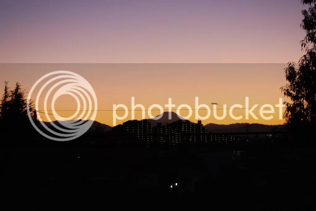 The sun almost set on Fuji