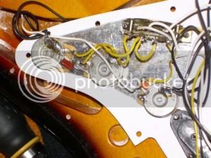 Fender Vintage Noiseless pickups mystery | Harmony Central