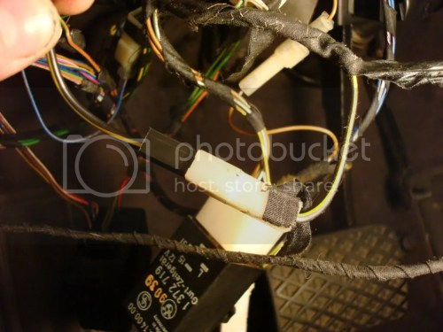 small resolution of that black yellow wire that comes from the car shown in black plug connects in place of the automatic s harness s black wire