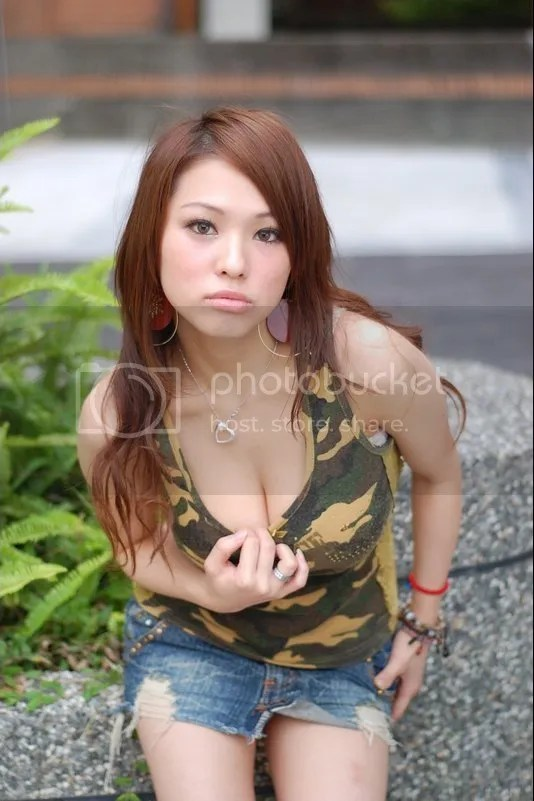 av玉圃團: 勁爆身材美少女 [20P]::杜蕾斯a片