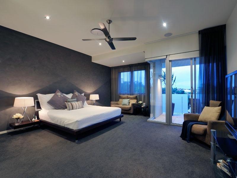 Classic Bedroom Design Idea With Carpet & Balcony Using