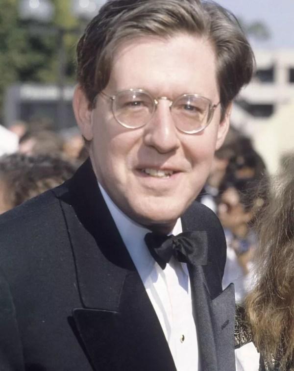 Edward Herrmann dead Gilmore Girls actor loses battle