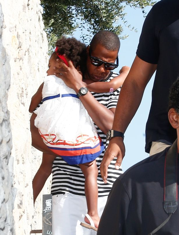 Beyonce And Jay Z Hug Blue Ivy As Luxury Yacht Holiday Continues Mirror Online