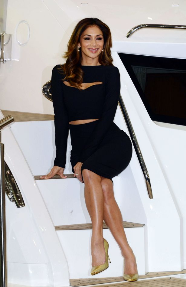 Cut It Out Nicole Scherzinger Looks Too Hot To Handle In