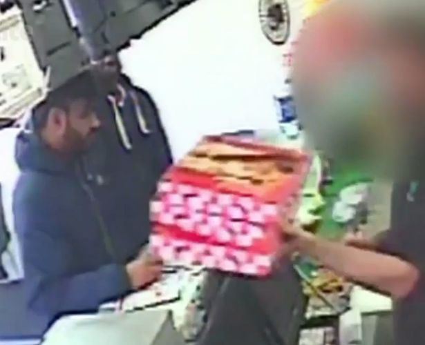 Pizza worker punched in face in row over toppings