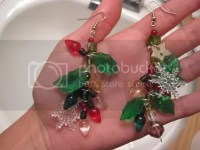 queen ketchup: tacky holiday earrings