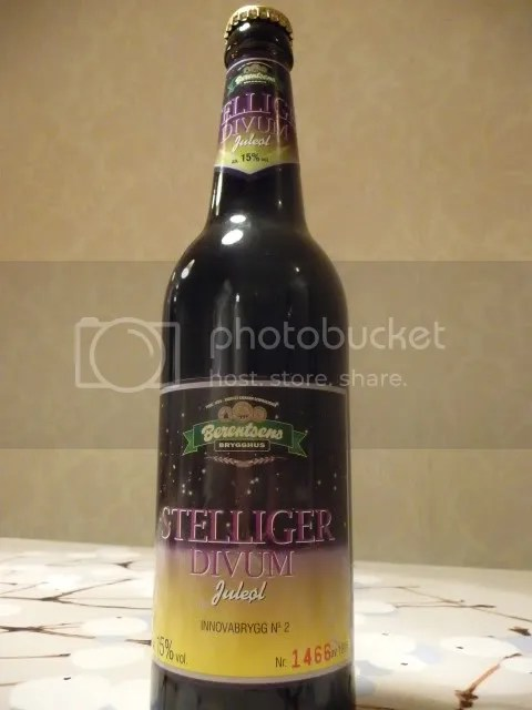 Stelliger Divum bottle