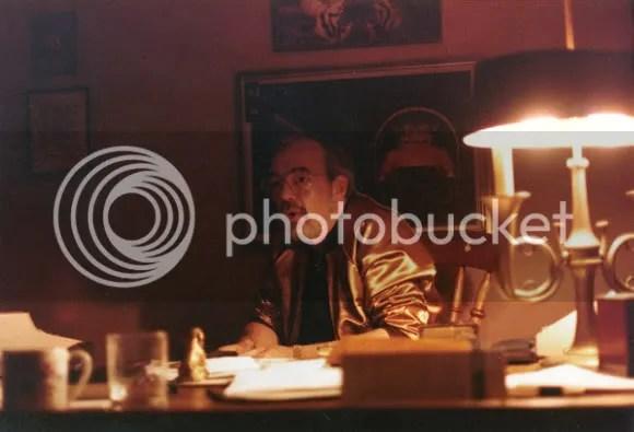 Gary Gygax em seu escritório