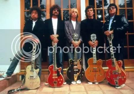 De gitaristen van de Traveling Wilburys