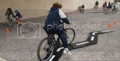 [pantallazo: en carril-bici por Madrid]