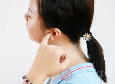 耳朵裡面長了個痘痘 耳朵里長痘怎麼辦 - 壹讀