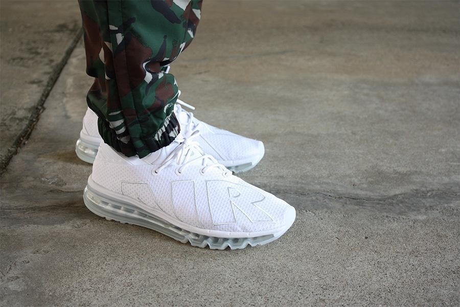 跑男們請注意!Nike 大Air More Uptempo 獨特設計的男士跑鞋打折 - 壹讀