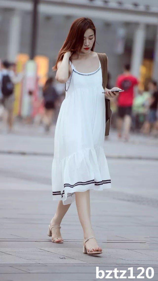 街拍:炎炎夏日下重慶美女街拍。感覺比成都的還漂亮 - 壹讀