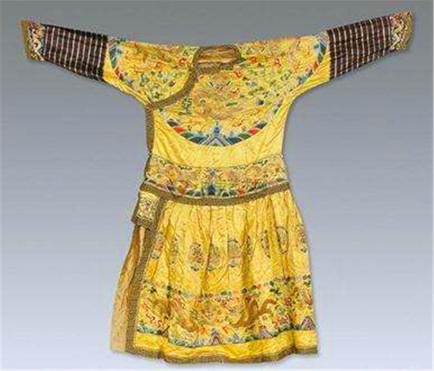 皇帝的龍袍有幾種?製作一件需要多少錢以及多久?說了你可能不信 - 壹讀