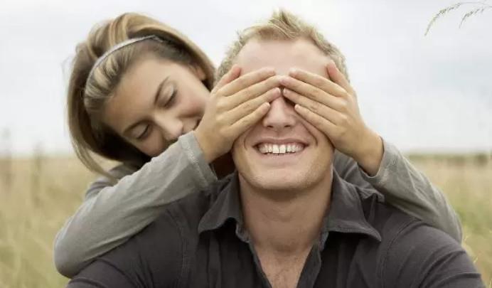 曖昧親密的肢體接觸,可以讓你和女生的關係迅速升溫,學會了嗎? - 壹讀