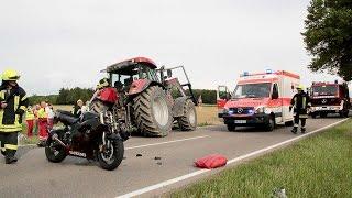 Kreis Günzburg: Motorradfahrer prallt bei Bubesheim gegen Traktor und stirbt