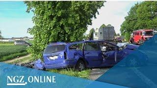 Tödlicher Unfall Korschenbroich - Bilder von der Unfallstelle: Zwei Tote bei Kollision mit LKW