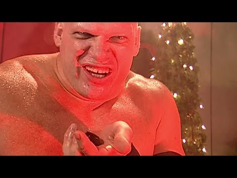 Kane sings a holiday classic in creepy fashion: SmackDown, Dec. 8, 2006