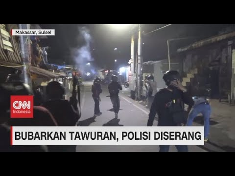 Bubarkan Tawuran, Polisi Diserang