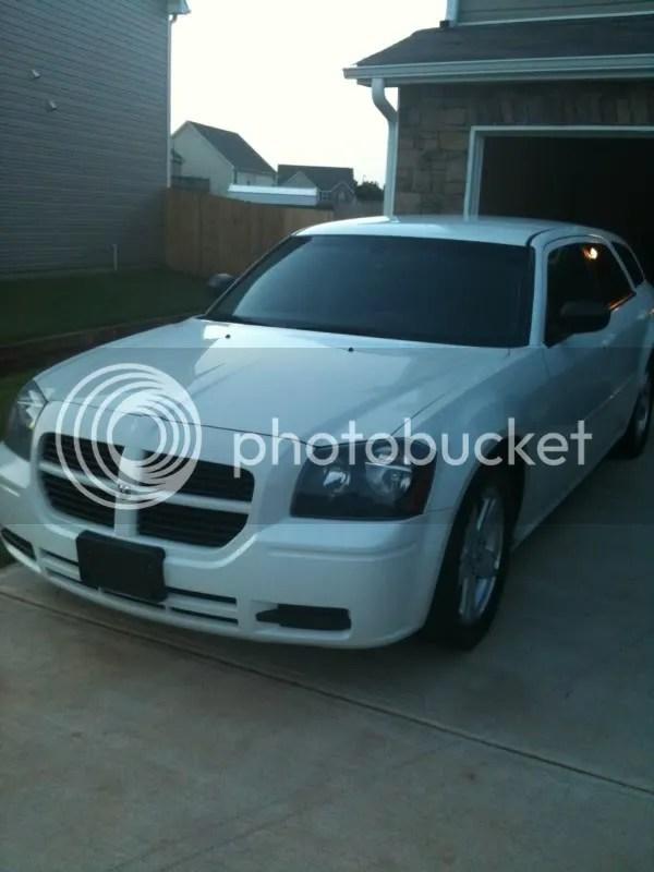 Used white Dodge Magnum cars - Trovit