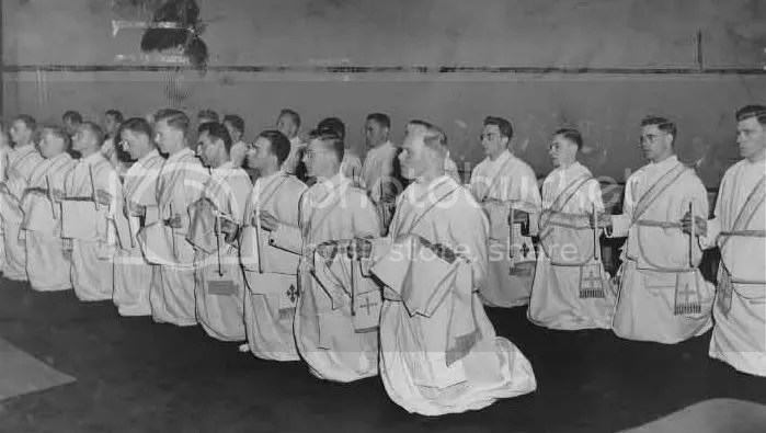 Solemnordinationrites1953.jpg picture by kking_88888