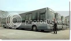 Bus Transjakarta gandeng