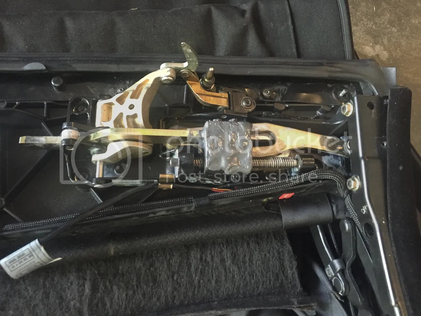 hight resolution of any other parts from the top such as hydraulics or wiring harness is available also the harness was inspected at the drivers side bend and one wire has the