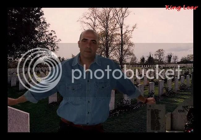 Valter Binaghi nel cimitero