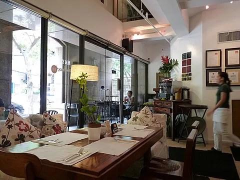 Apartment 1B Makati Restaurant