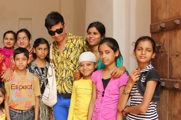 Bryanboy with children in Jaipur