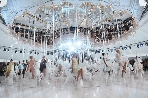 Carousel Louis Vuitton spring summer 2012