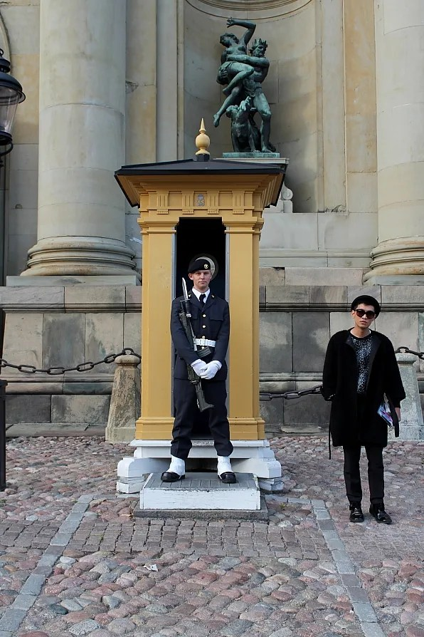 Bryanboy with Royal Palace Guard