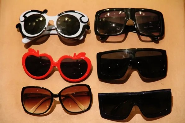 lunettes de soleil - prada, h&m, karen walker